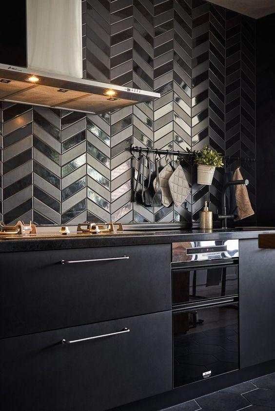 Black Kitchen Ideas: Striking Bold Decor