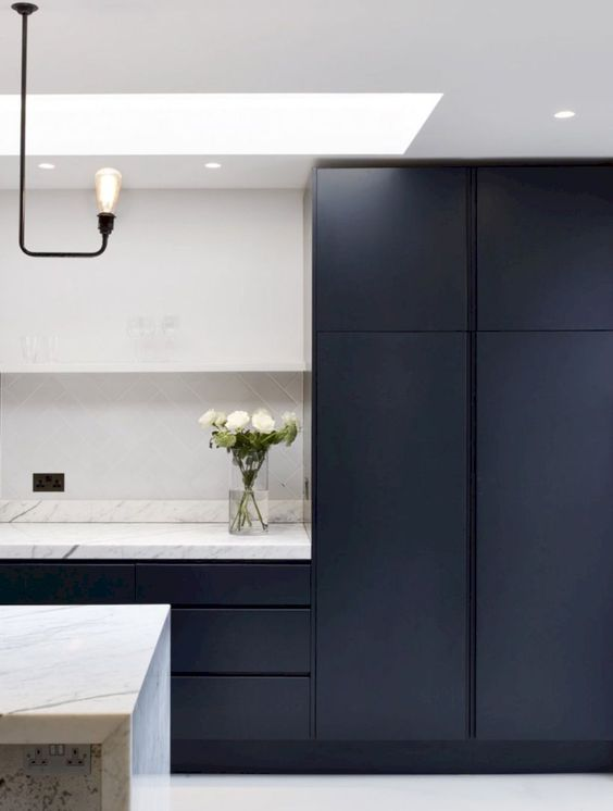 Black Kitchen Ideas 12