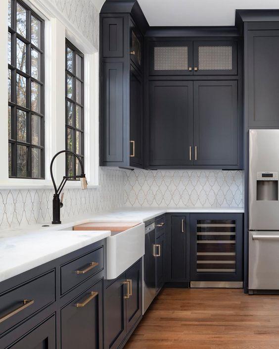 Black Kitchen Ideas 15