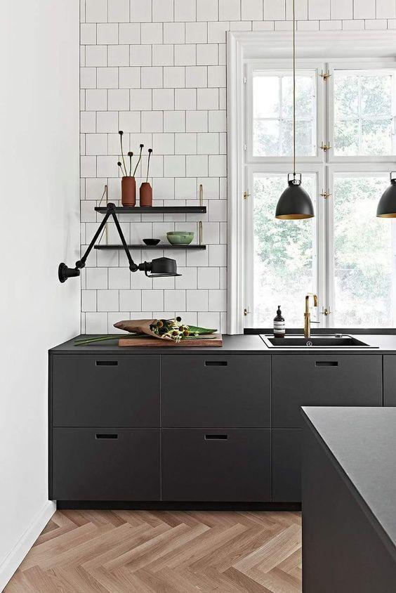 Black Kitchen Ideas 24