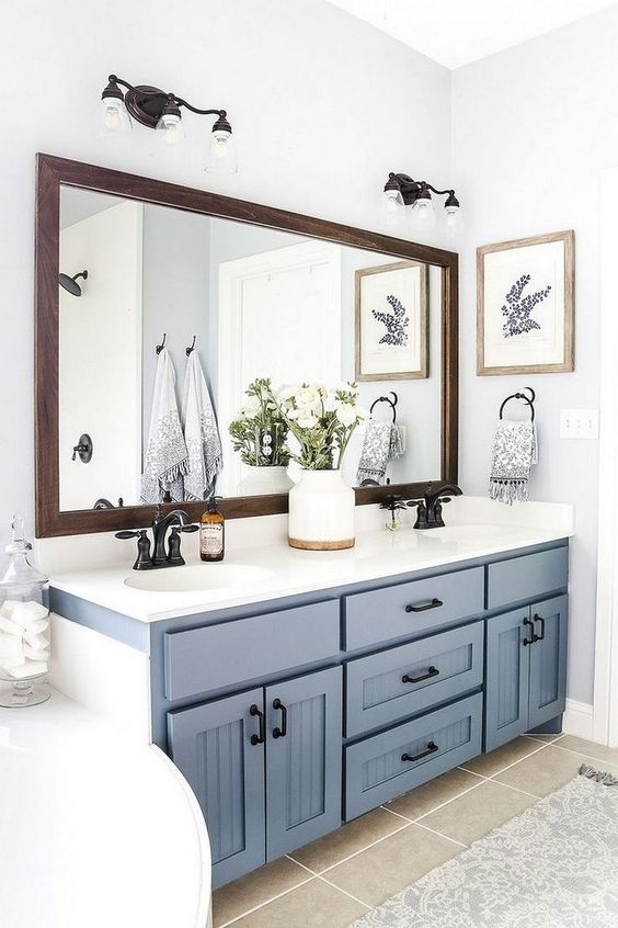 Blue Bathroom Ideas: Chic Farmhouse Decor