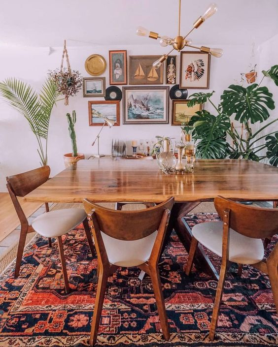 Bohemian Dining Room Ideas: Warm Festive Decor