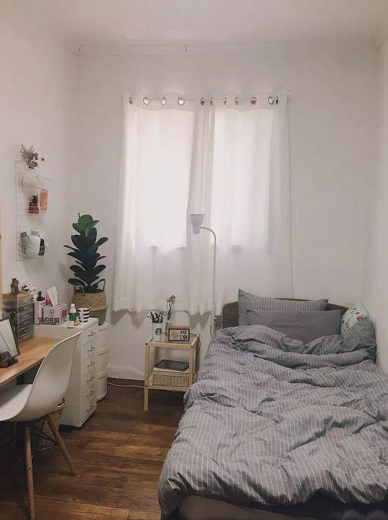 Small Bedroom Ideas 22