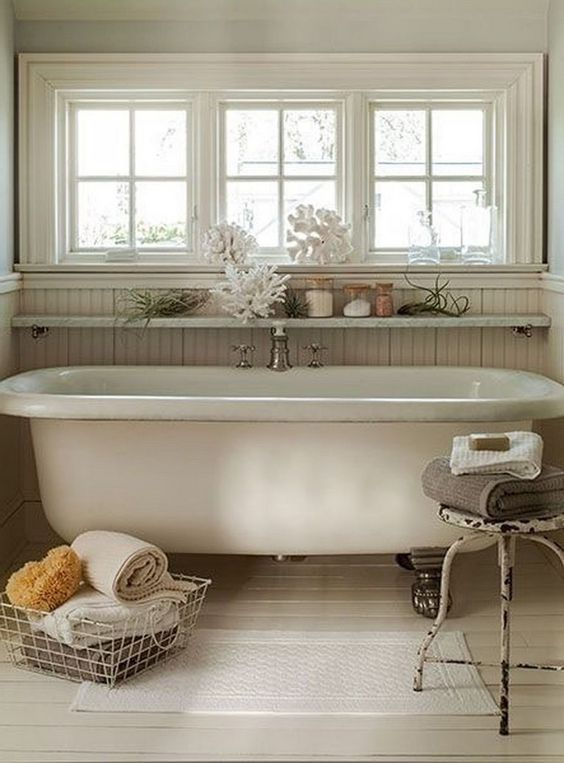 Bathroom Themes Ideas: Stunning Vintage Decor