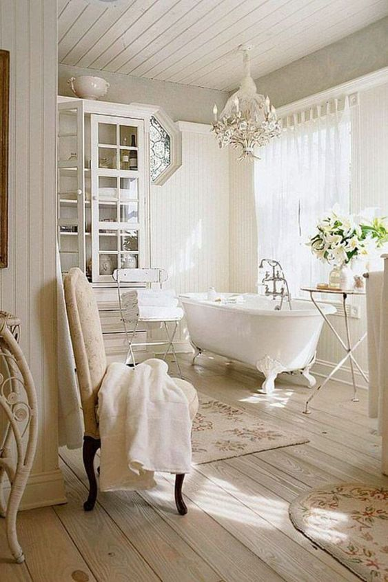 Bathroom Themes Ideas: Glam French-Country Decor