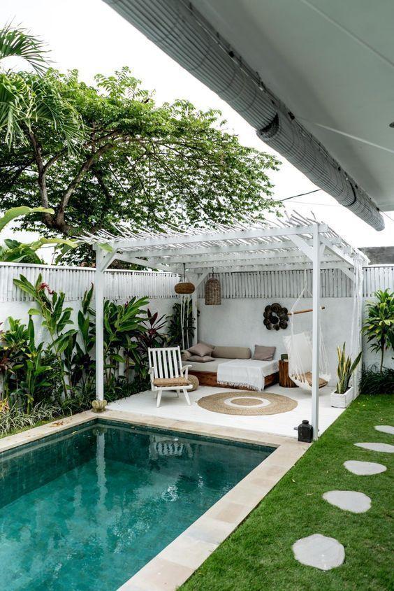 Backyard Pool Ideas: Simple Small Pool