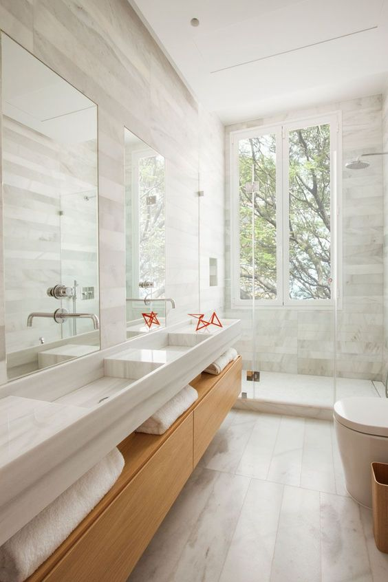 Scandinavian Bathroom Ideas: Captivating All-White Bathroom