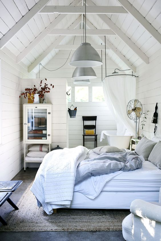 Attic Bedroom Ideas: Chic Small Bedroom