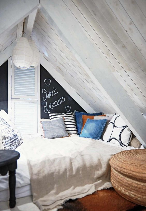Attic Bedroom Ideas 14