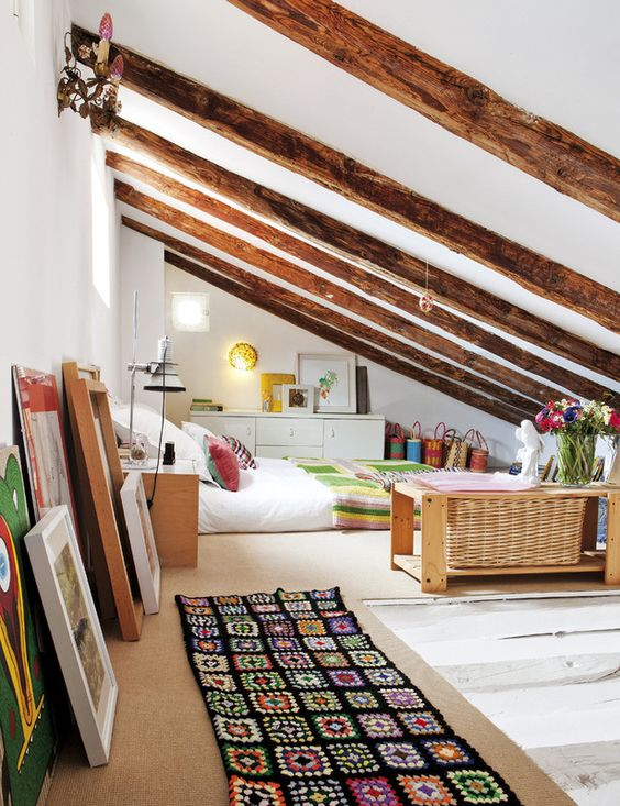 Attic Bedroom Ideas: Cozily Decorated Bedroom