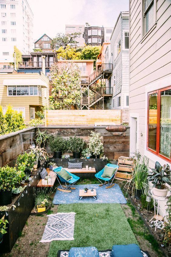 Small Backyard Ideas: Simple Decorative Backyard
