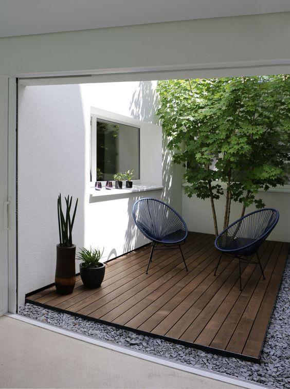 Small Backyard Ideas: Minimalist Wood Patio